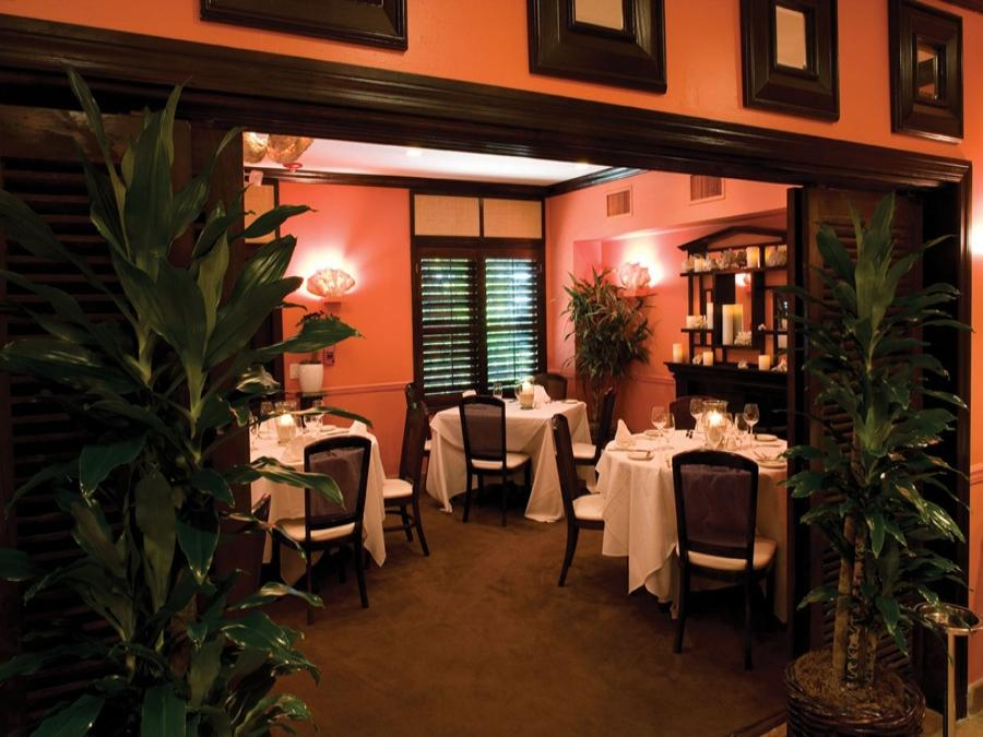 The Maison Martinique Restaurant located in The Caribbean Court Boutique Hotel