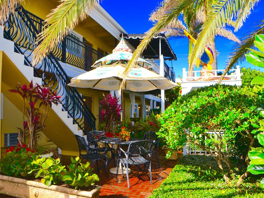 Sea Turtle Inn - Vero Beach Hotel | VeroBeach.com