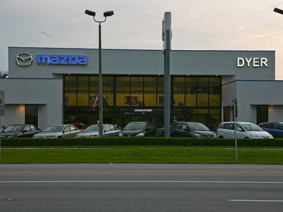 dyer mazda dealership storefront located in vero beach, florida
