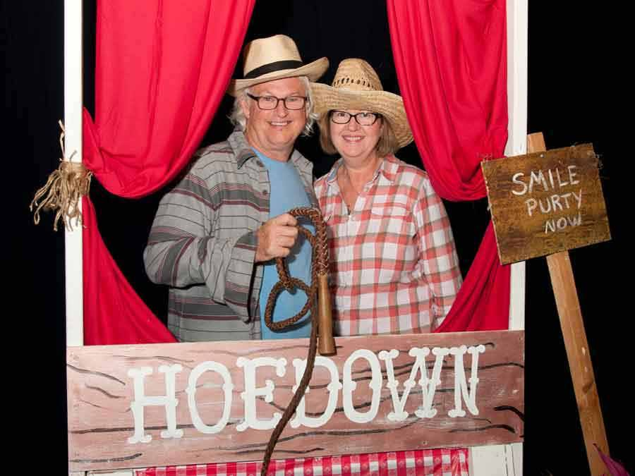 Photo of couple at Indian River Hoedown event
