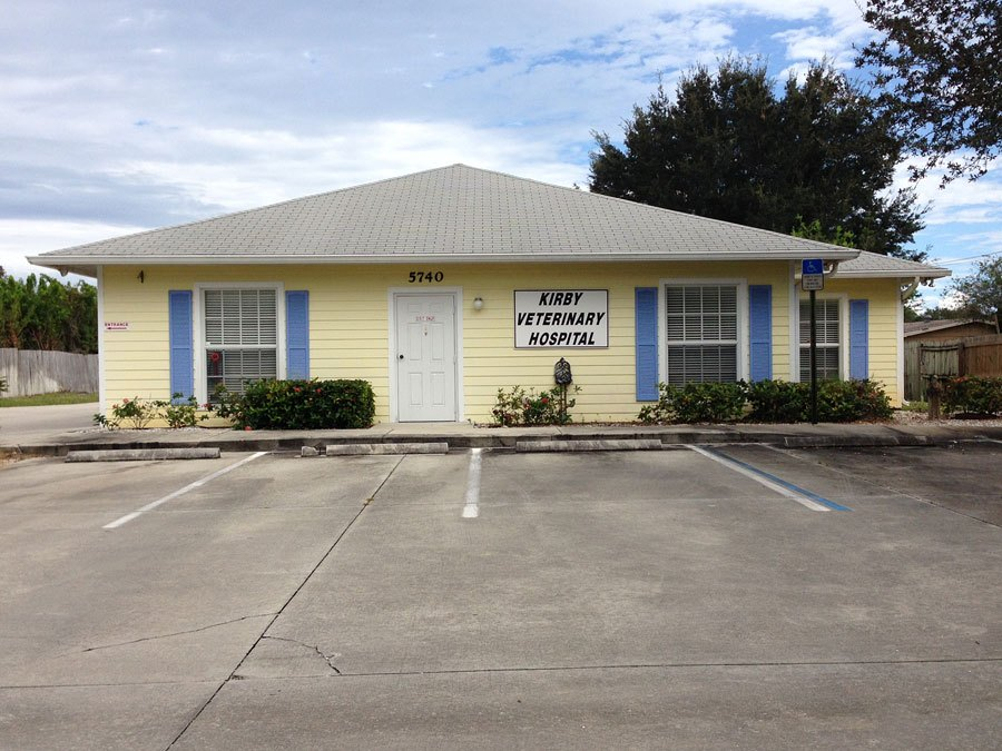 Outside view of the Kirby Veterinary Hospital Vero Beach Florida Office