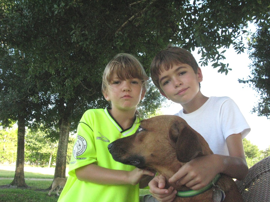 Dogs For Life, Inc. Vero Beach Florida kids with their dog