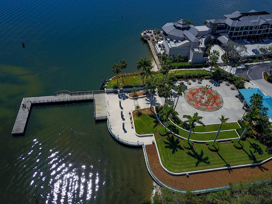 Aerial view of Royal Palm Pointe Fountains