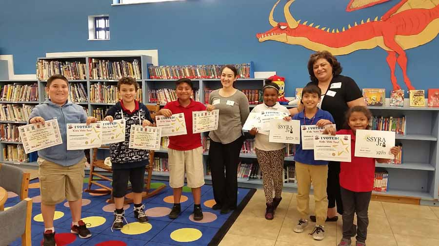 Students Shine Voting For Favorite Book